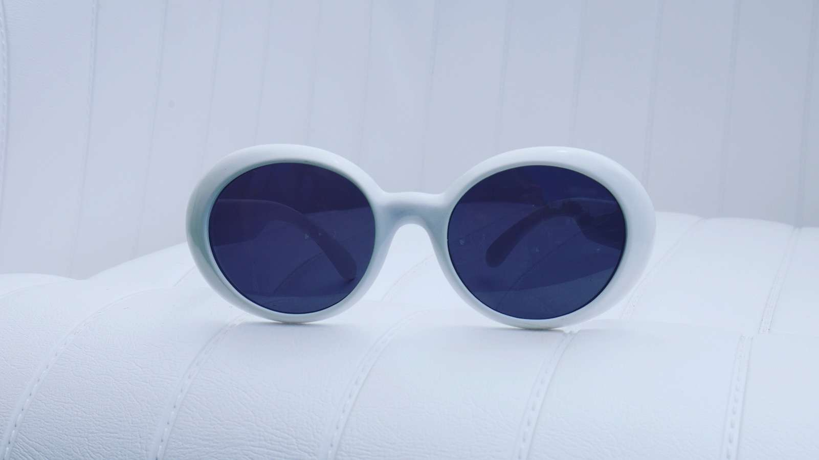 vintage-white-sunglasses